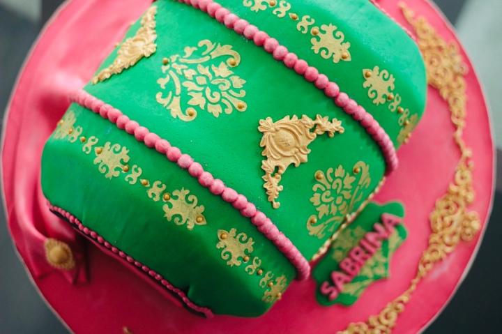 Chai Cardamom Cake